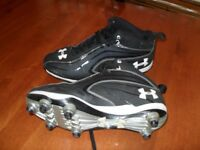 SOULIERS FOOTBALL UNDER ARMOUR 8.5 adulte