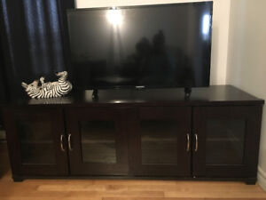 Tv stand almost brand new   1 month old $180