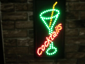 MANCAVE OR WOMAN CAVE LED LIGHT UP COCKTAIL SIGN