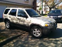 *** 2005 Ford Escape XLT V6 3.0L with EXTRAS ***