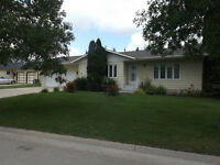 House for Sale in Altona, MB - 33 4th AVE SW