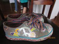 Skechers Size 13 girls shoe