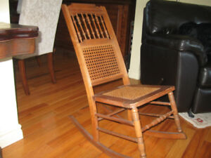 BEAUTIFUL OLD ANTIQUE ROCKING CHAIR - Well Kept