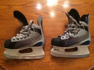 Boy's Nike Hockey Skates (Size 1)