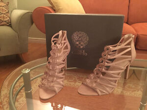 Vince Camuto Shoes. Size 8. Brand new Windsor Region Ontario image 1