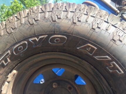 "Open Country Toyo A/T 16"" 286/75 tyre"