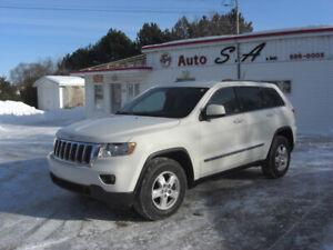 jeep grand cherokee laredo 2011,,v-6,4x4,automatique,visa,master