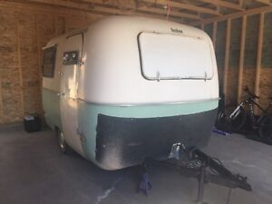 *WANTED* original Boler windows