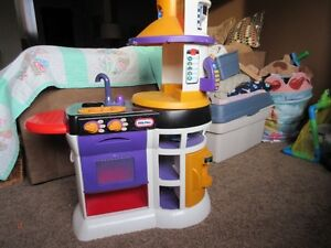 Little Tykes Play Kitchen Windsor Region Ontario image 2