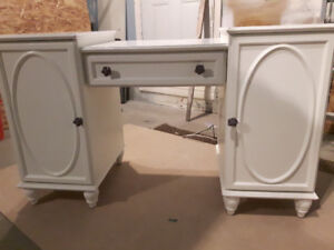 Solid white wood desk from Bombay Kids Furniture