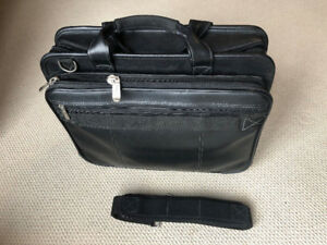 Targus Muli-functional Computer Laptop Bag with Straps