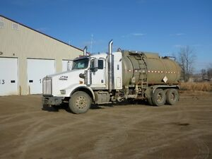UNRESERVED PUBLIC AUCTION - HEAVY TRUCKS - FROBISHER, SK Regina Regina Area image 2