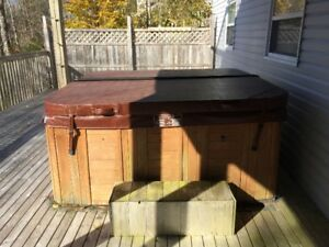 6 Person 2007 Sunrise Hot Tub / Spa - must pick up