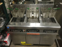 FRYMASTER FPGL330-SC TRIPLE BANK FRYER WITH FILTERING SYSTEM