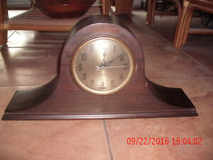 New Haven Elm City electric mantle (tambour) mahogany clock West Island Greater Montréal image 1
