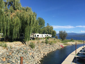 5-star waterfront RV lots for sale at Cottonwood Cove RV