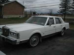 1986 Lincoln Continental full Berline