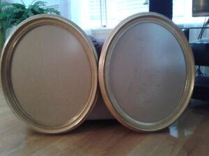 Encadrements (2) ovales en bois-Couleur dorée
