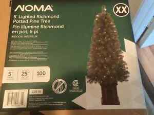 NOMA RICHMOND POTTED XMAS TREE 5' WITH 100 LIGHTS BRAND NEW
