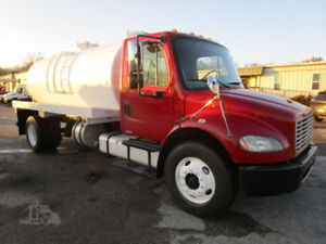 2007 FREIGHTLINER BUSINESS CLASS M2 106 VACUUM TRUCK