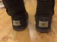 2x UGG boots size 5UK/7US