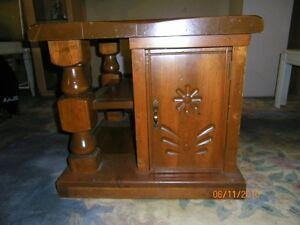 Table de bois massif antique