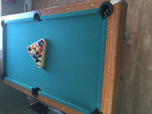 6'X3' pool table for sale !