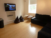 Two rooms available in this modern 7 bedroom professional house share on Heaton Road, Heaton.