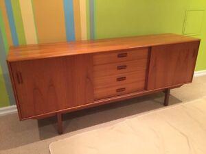 Mid century teak sideboard / credenza