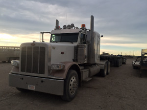 2014 Peterbilt 388  with 2006 loadking super b trains for sale