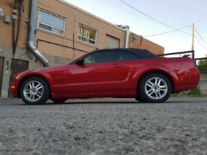 2005 Mustang GT Convertible Candy Apple Automatique 95,000KM
