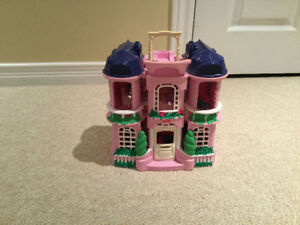 **Fisher Price Dollhouse** REDUCED