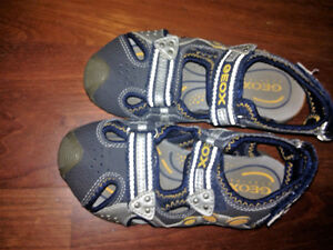 Geox Sandals Size 11 kids, blue and silver