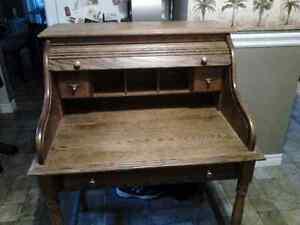 Beautiful solid oak antique roll top secretary desk  Kingston Kingston Area image 3