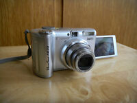 Canon A630 w/ swivel screen. Excellent cndtn. NEW PRICE!!