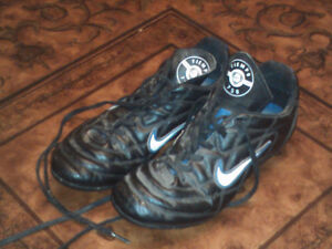 Nike Tiempo 750 Soccer Cleats