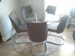 6 Piece Glass and Chrome Dinette Set NEW PRICE!!
