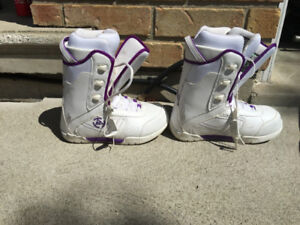 K2 SNOW BOARDING BOOTS