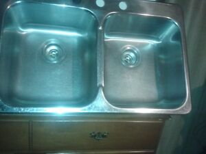 KENDRICK QUALITY DOUBLE KITCHEN SINK, CALL#226 344 5107
