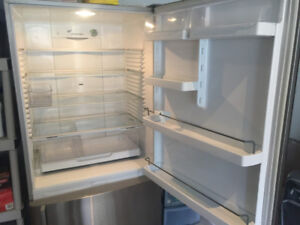 "Fisher& Paykel 32"" Bottom Freeze Refrigerator"