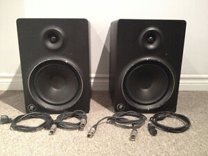 Pair of Mackie MR8 Studio Monitors