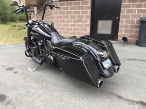 2017 ROAD KING SPECIAL (BLACK)