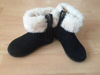 Toddler UGG boots size 6