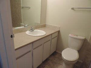 Available Immediately 2+1 Bedroom with 4 Appliance
