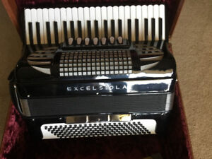 Accordion  Excelsiola Model 610 for Sale