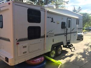 Arctic Fox 5th wheel- bunk model, 4 season unit