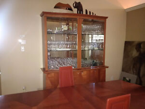 Dining room set, extendable table, 10 chairs and a glass hutch