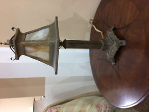 Antique Table Lamp. Works