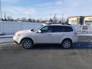 Subaru Forester 2010 2.5 Limited all included