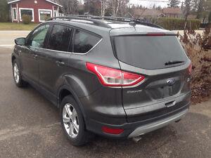 2016 Ford Escape SE VUS Saguenay Saguenay-Lac-Saint-Jean image 5